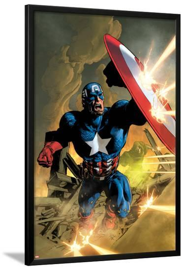 Secret Avengers No.12 Cover: Captain America Fighting with his Shield-Mike Deodato-Lamina Framed Poster