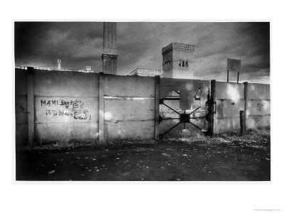 Section of the Berlin Wall-Simon Marsden-Giclee Print