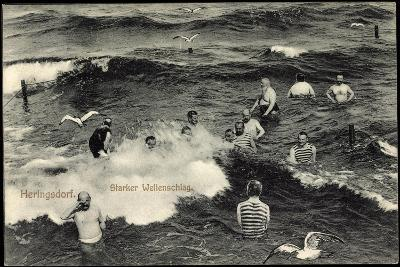 Seebad Heringsdorf, Badegäste Im Meer Bei Starkem Wellenschlag, Möwen--Giclee Print