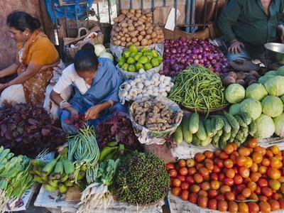 https://imgc.artprintimages.com/img/print/selling-fruit-in-local-market-goa-india_u-l-pha9a80.jpg?p=0