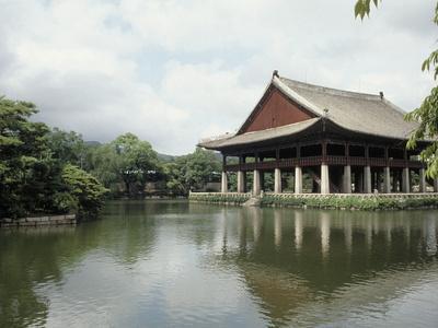 https://imgc.artprintimages.com/img/print/seoul-pavilion-kyonghoeru_u-l-p3cb0s0.jpg?p=0
