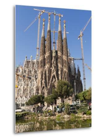 La Sagrada Familia by Antoni Gaudi, UNESCO World Heritage Site, Barcelona, Catalonia, Spain, Europe by Sergio Pitamitz