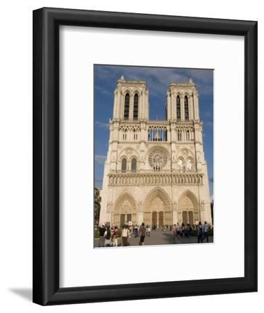 Notre Dame Cathedral, Ile De La Cite, Paris, France