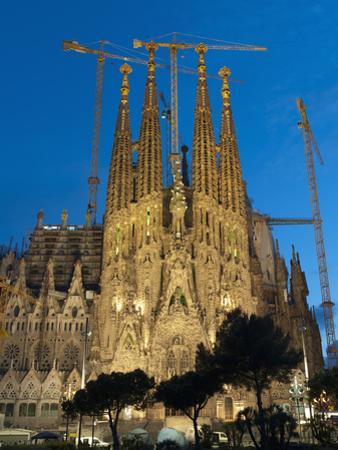 Sagrada Familia at Dusk, UNESCO World Heritage Site, Barcelona, Catalonia, Spain, Europe by Sergio Pitamitz