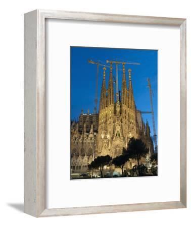 Sagrada Familia at Dusk, UNESCO World Heritage Site, Barcelona, Catalonia, Spain, Europe