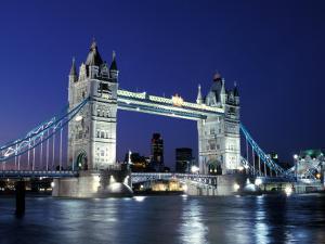 Tower Bridge, London, England by Sergio Pitamitz