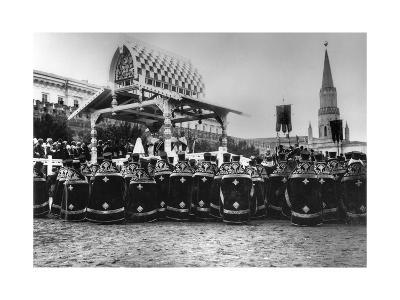 Service in Red Square to Celebrate the Centenary of the War in 1812, Moscow, Russia, 1912-K von Hahn-Giclee Print