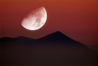 Setting Moon-Detlev Van Ravenswaay-Photographic Print