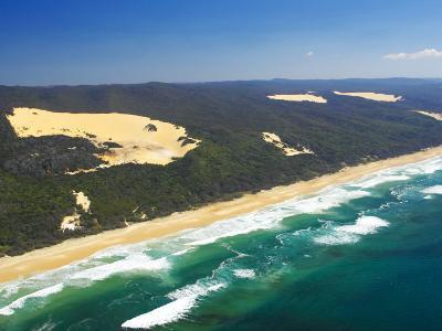 Seventy Five Mile Beach, Fraser Island, Queensland, Australia-David Wall-Photographic Print