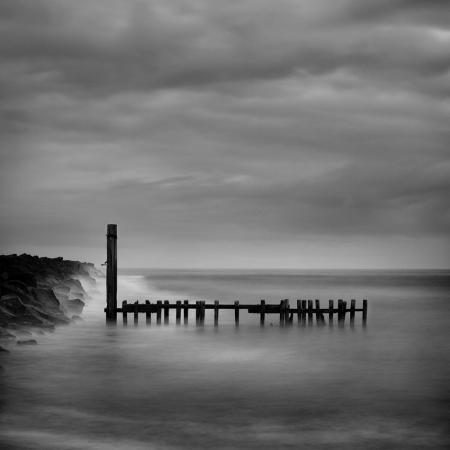 shane-settle-jetty-in-black-and-white