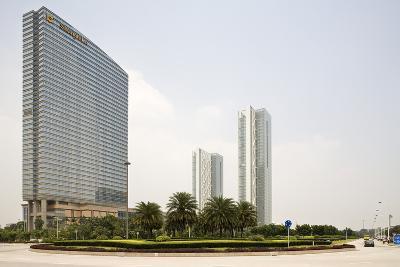 Shangri-La Hotel, Pazhou, Guangzhou, China--Photographic Print