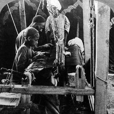 Shawl Weavers, Kashmir, India, C1900s-Underwood & Underwood-Photographic Print
