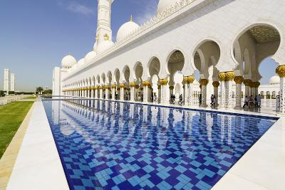 Sheikh Zayed Grand Mosque, Abu Dhabi, United Arab Emirates, Middle East-Fraser Hall-Photographic Print