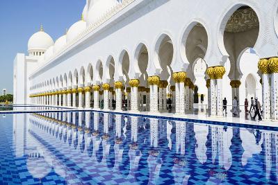 Sheikh Zayed Mosque, Abu Dhabi, United Arab Emirates, Middle East-Fraser Hall-Photographic Print