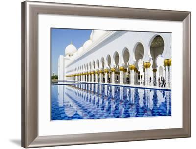 Sheikh Zayed Mosque, Abu Dhabi, United Arab Emirates, Middle East-Fraser Hall-Framed Photographic Print