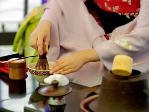 Tea Ceremony, Kyoto, Japan by Shin Terada