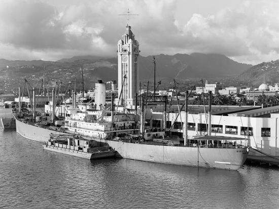 Port Of Honolulu >> Ship Freighter At Dock By Aloha Tower Built 1926 Port Of Honolulu