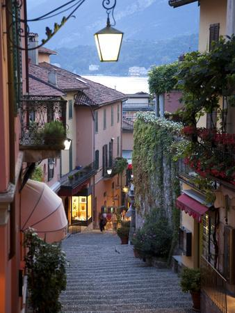 https://imgc.artprintimages.com/img/print/shopping-street-at-dusk-bellagio-lake-como-lombardy-italy-europe_u-l-pftm380.jpg?p=0