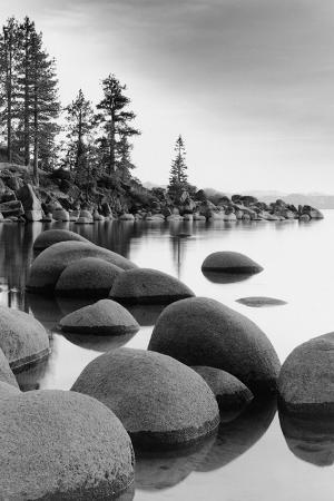 shoreline-lake-tahoe