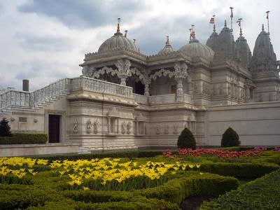 https://imgc.artprintimages.com/img/print/shri-swaminarayan-mandir-europe-s-first-traditional-hindu-temple_u-l-phtze70.jpg?p=0