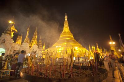 Shwedagon Pagoda, Yangon (Rangoon), Myanmar (Burma), Asia-Colin Brynn-Photographic Print