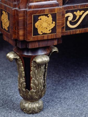 https://imgc.artprintimages.com/img/print/side-panel-of-chest-of-drawers-with-inlays-and-marble-top-1775_u-l-ppzx2o0.jpg?p=0