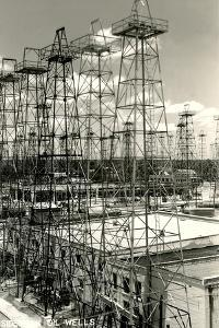 Sidekick Oil Wells, Kilgore