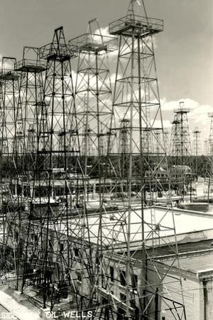 Sidekick Oil Wells, Kilgore
