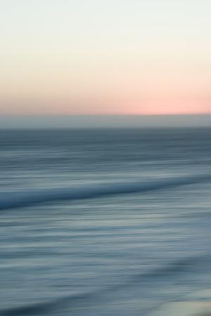 sidney-aver-ocean-moves-v