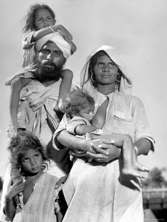 https://imgc.artprintimages.com/img/print/sikh-and-his-family-in-convoy-migrating-to-east-punjab-after-the-division-of-india_u-l-p3p8ka0.jpg?p=0