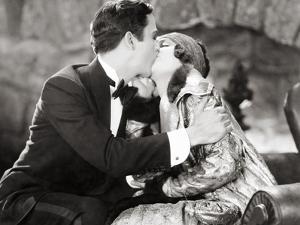Silent Film Still: Kissing
