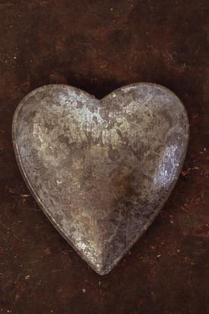 https://imgc.artprintimages.com/img/print/silver-heart_u-l-pz05kg0.jpg?p=0