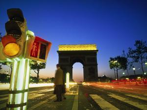 Arc de Triomphe, Paris, France by Silvestre Machado