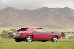 Dodge Challenger TA 1970 by Simon Clay