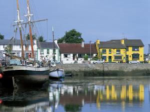 Kinvara, Galway Bay, County Galway, Connacht, Eire (Republic of Ireland) by Simon Harris