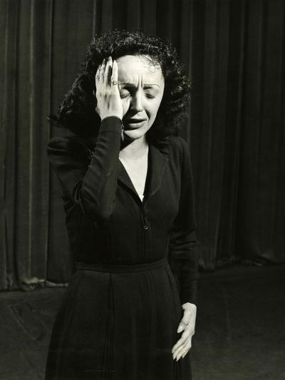 Singer Edith Piaf Performing, 1946-Gjon Mili-Photographic Print