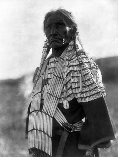 Sioux Woman, c1907-Edward S^ Curtis-Giclee Print