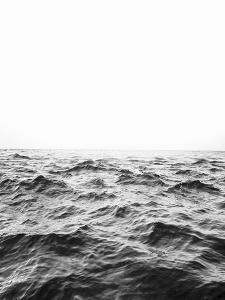 Horizon Black and White by Sisi and Seb