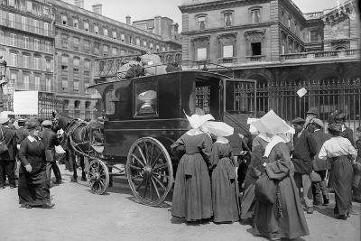 Sisters of St. Vincent de Paul Leaving, Gare de l'Est, Paris, 1914-Jacques Moreau-Photographic Print
