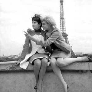 Sisters Sylviane and Sophie Agacinski at Trocadero, Paris, 16 July 1966