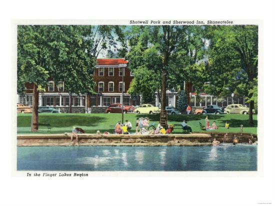 Skaneateles, New York - Shotwell Park and Sherwood Inn Scene-Lantern Press-Art Print
