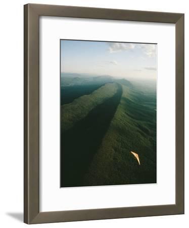 Hang Glider over Massanutten Mountain, Shenandoah Valley