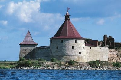 https://imgc.artprintimages.com/img/print/slisselburg-fortress-also-known-as-petrokrepost-or-oresek-fortress-in-lake-ladoga-russia_u-l-pv8bbn0.jpg?p=0