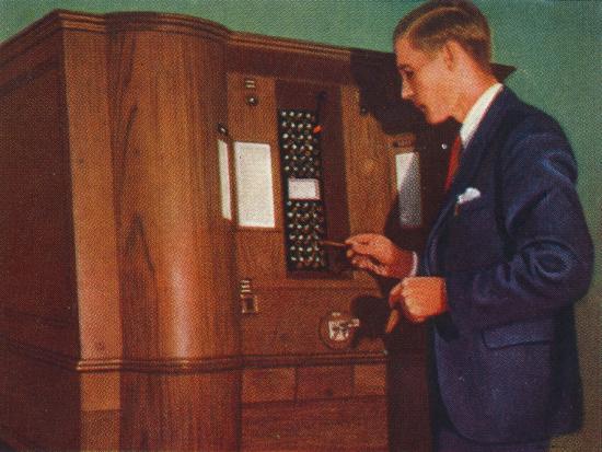 Slot machine that plays bridge, 1938-Unknown-Giclee Print