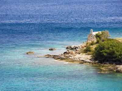https://imgc.artprintimages.com/img/print/small-chapel-by-the-sea-hvar-island-croatia_u-l-q1gaw0c0.jpg?p=0