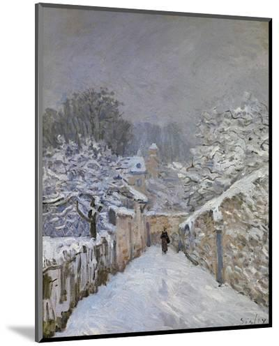 Snow at Louveciennes, France, c.1878-Alfred Sisley-Mounted Print