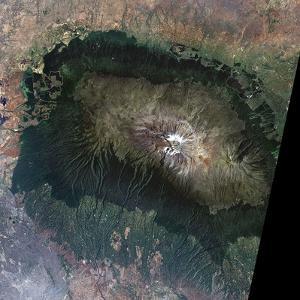 Snow on Mount Kilimanjaro, 2000