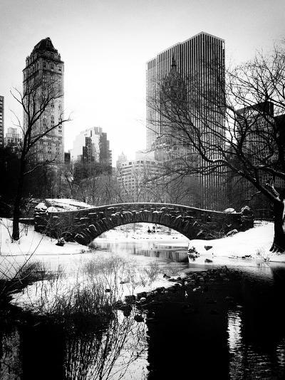 Snowy Gapstow Bridge of Central Park, Manhattan in New York City-Philippe Hugonnard-Photographic Print