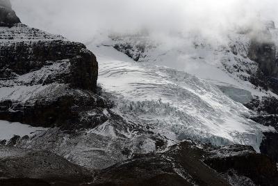 Snowy Landscape in Athabasca Glacier, Alberta, Canada-Raul Touzon-Photographic Print