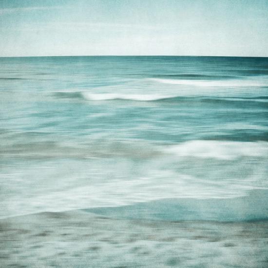 Soft Waves-Iris Lehnhardt-Photographic Print